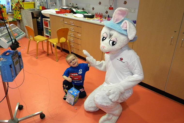 Bringing Easter 2018 to the Children's Wards of Oxfordshire, Berkshire and Wiltshire.